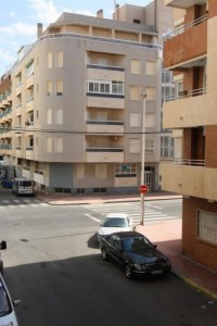 Apartment  100 m to the Cura  beach with pool in Torrevieja 2 bad, 1 bath 79.000 €
