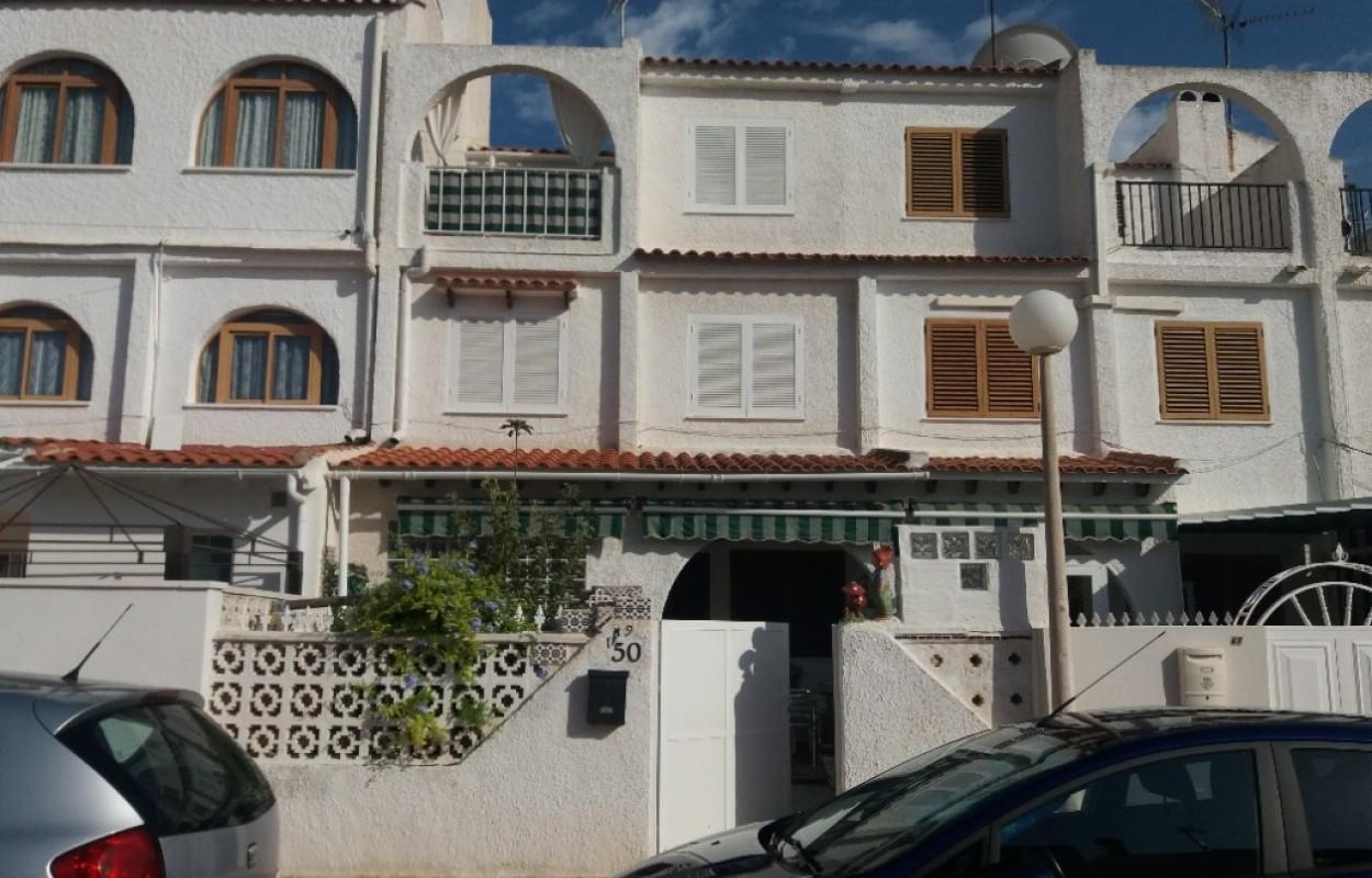 Triplex en Torrevieja 400m de la playa por 117.000€