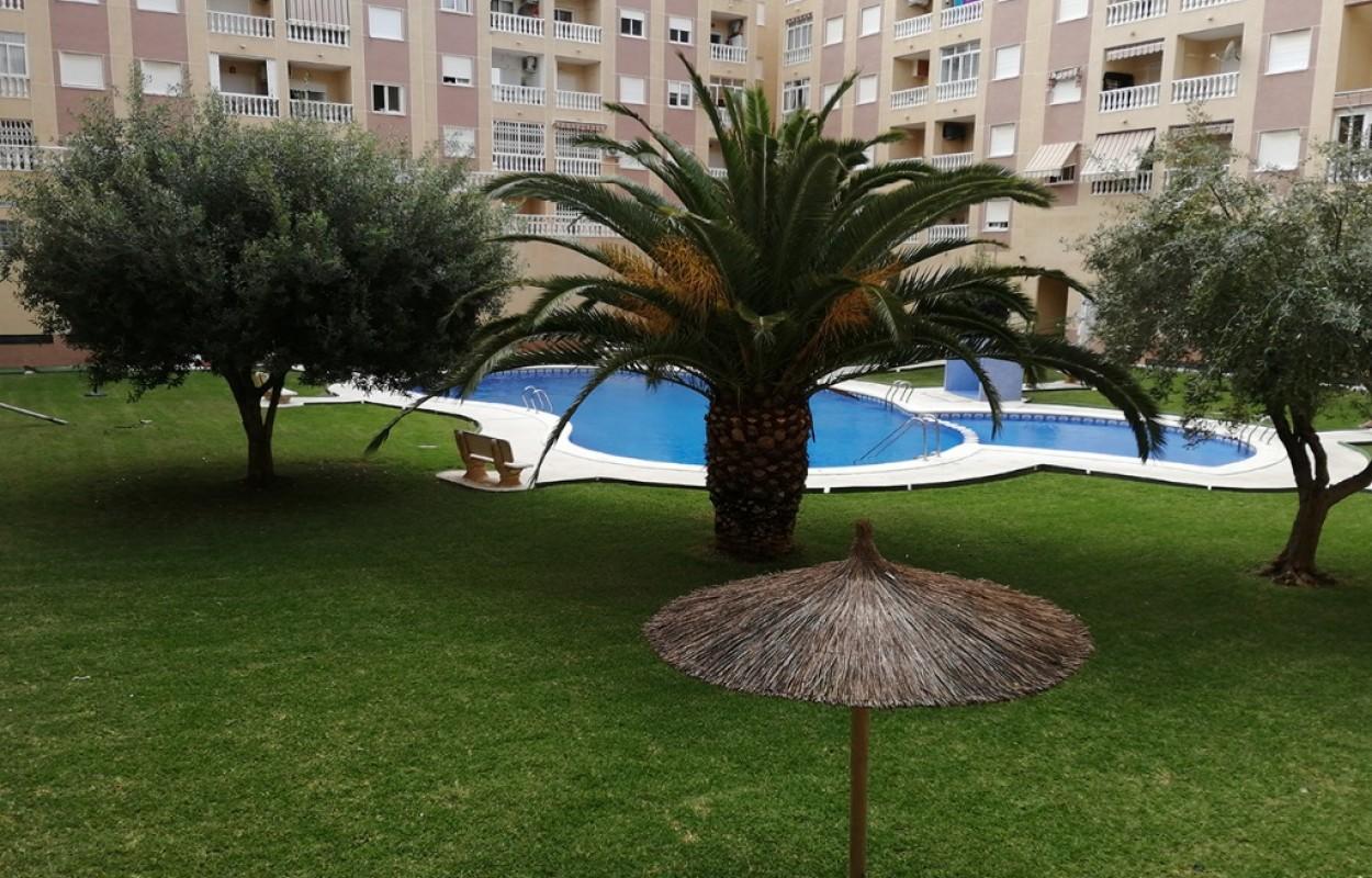 Apartamento en Torrevieja cerca de la playa por 70.000 euro