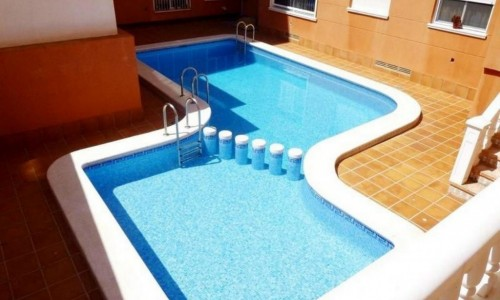 2 bedroom apartment south facing 300 meters to the beach of the priest in Torrevieja.