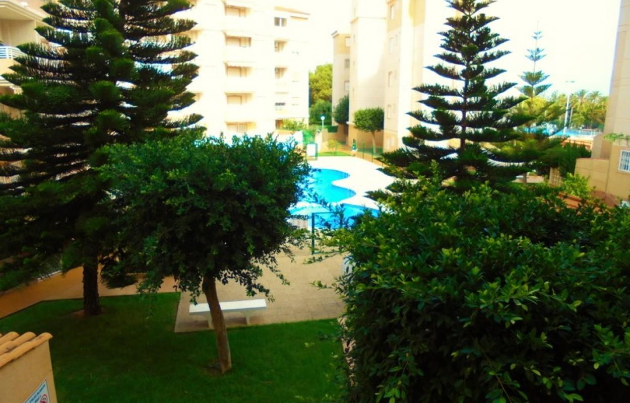 3х комнатная квартира в Торревьехе с бассейном в зеленой урбанизации