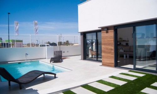 Construction of new houses in the Region of Murcia, 3 km from the sea, near golf courses