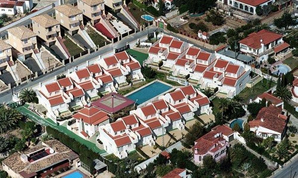 Урбанизация на продажу в Бенидорме!