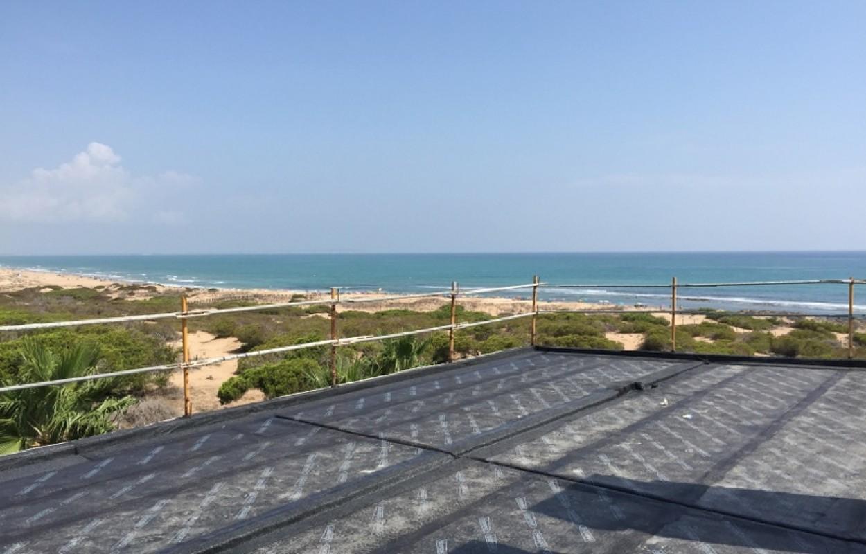 Nouveaux appartements à Torrevieja (La mata)  à côté de la mer