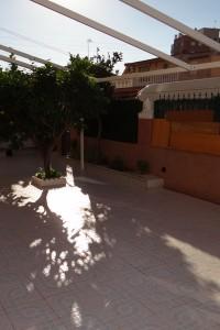 Piso de 2 habitaciones  con jardin en venta en Torrevieja