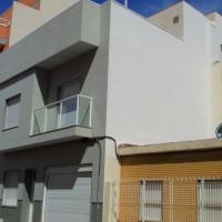 maison exclusive à Torrevieja 100m de la plage del Cura Garge, solarium, hacensor privé