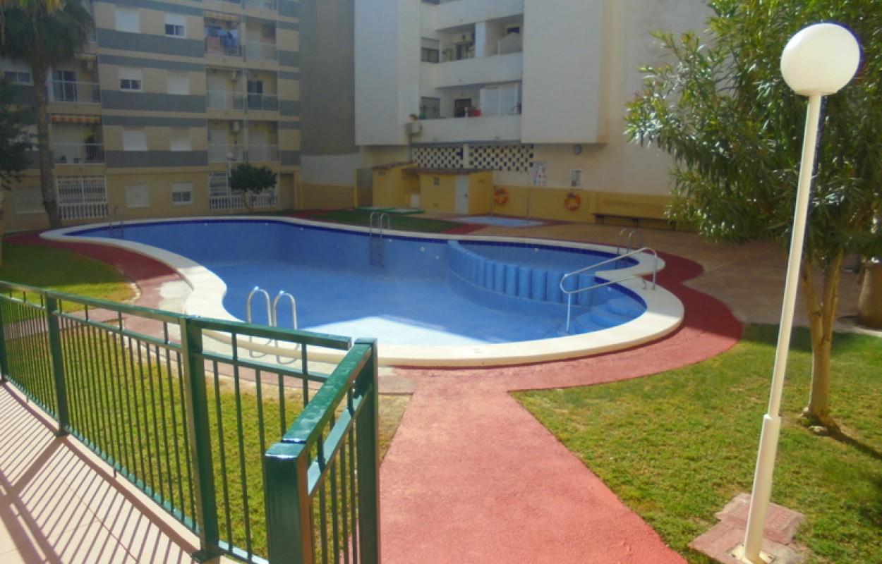 Appartement 2ch  à Torreveija avec piscine et garage