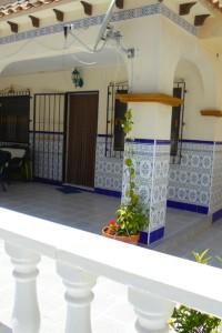 Bungalow bajo con jardin y garage ,en Torrevieja la mata a tan solo 500m de la playa por 138.000€