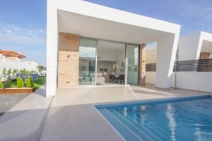 Villas de Obra Nueva en  Torrevieja