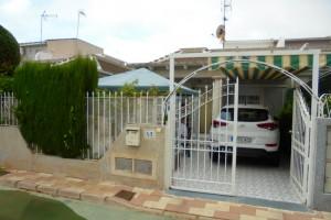 Bungalow avec jardin privé 3 ch à Torrevieja La Siesta