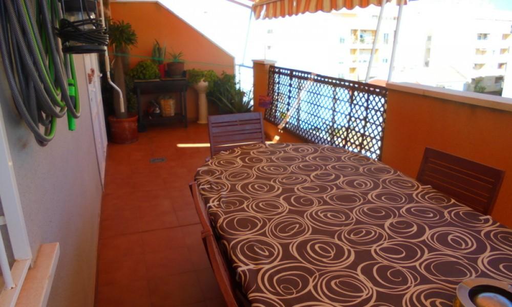 Шикарная квартира в Торревьехе с личным солярием и гаражом