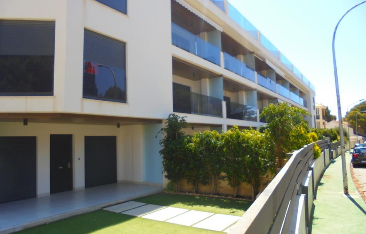 3х спальная квартира с большим балконом и видом на море в Кампоамор