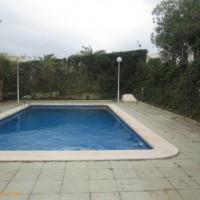 Большая Вилла в зеленом районе с личным бассейном!