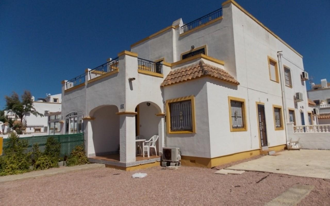 Смежный дом в Тихом районе рядом с Торревьехой 115.000 евро
