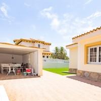 Belle villa à la Zenia  200m de la plage