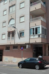 2 bedroom apartment with pool in torrevieja by 54900