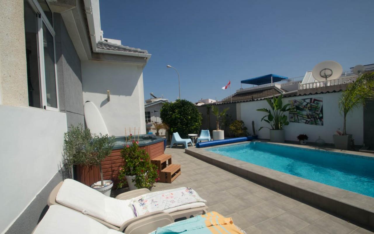 Смежный дом с личным бассейном в Торревьехе - ла Сиеста