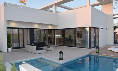 Новые виллы 250м2 жилых и 500м2 участок  в деревушке Бенихофар от 310.000 евро